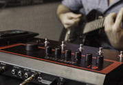 Line 6 annonce la disponibilité de l'AMPLIFi FX100 – Une nouvelle famille s'impose auprès des guitaristes
