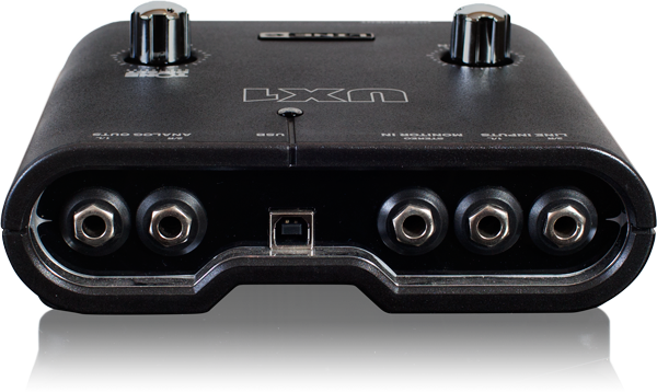 Line 6 POD Studio UX1 back panel of the recording interface image